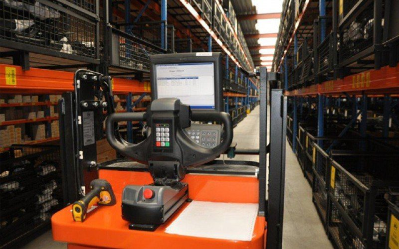 Logistics Page 02 800 500 90 S C1